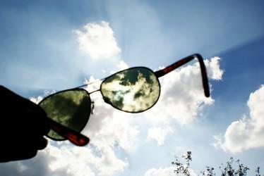 dd58efbc8 Prečo polarizované slnečné okuliare? - Nudokki.sk