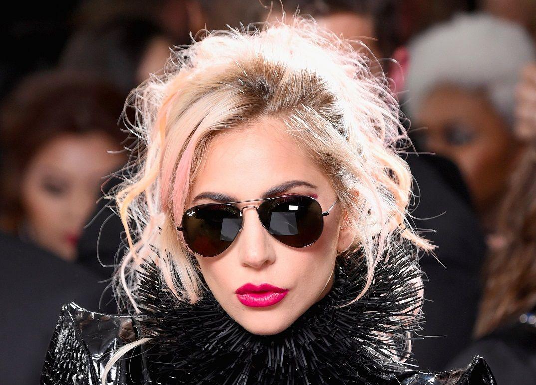 597531e6e Aké okuliare nosí Lady Gaga - Nudokki.sk