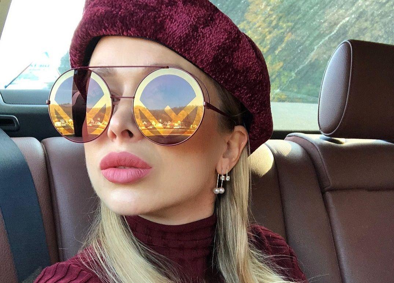 2d5452e06 Slnečné okuliare už dávno nie sú len letným doplnkom. Ochrana očí si  nesporne vyžaduje starostlivosť po celý rok. Dizajnéri svetových značiek  opäť svojimi ...